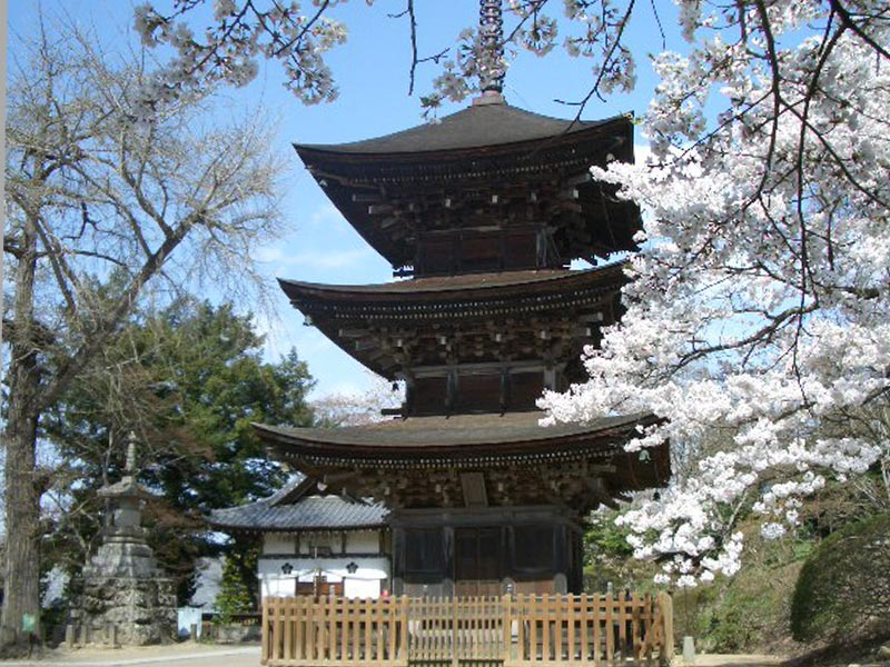 前山寺三重塔(重要文化財)